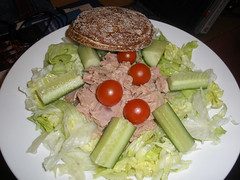 Tuna salad and rye bread