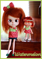 ~Watermelon Collection~ (Renata S.P. -  Sweet Tricot ) Tags: tiara beads knitting doll dress handmade knit melancia bow blythe knitted boneca bata tee strawberryshortcake vestido headband ssc lao handknitting miangas sweettricot renatasp watermeloncollection