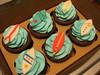 Surf (Confetti & Cupcakes) Tags: praia mar cupcakes lembrança surf mini confetti drika surfista prancha novaes gostosos decorados