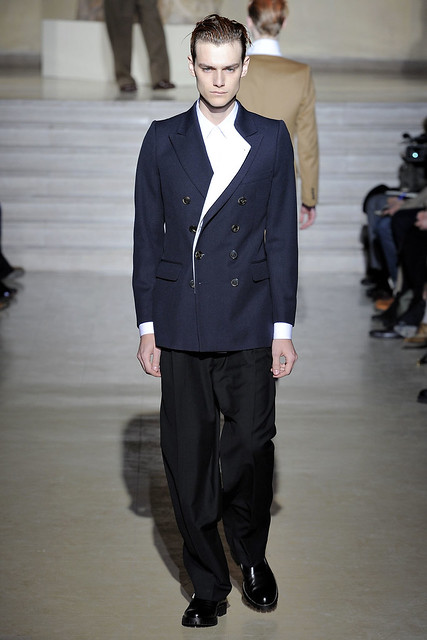 Douglas Neitzke3284_FW11_Paris_Dries Van Noten(VOGUEcom)
