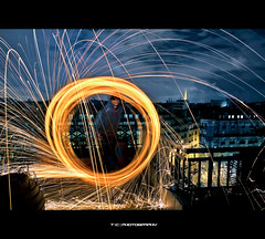 Self Spark (iPh4n70M) Tags: roof light paris france building rooftop wool night de fire photography nikon photographer photographie view shot handmade walk lumire tools bolas flame photograph tc photowalk nikkor bp sparks toit flamme spark nuit nocturne ballade feu immeuble fer balade laine photographe parisienne acier parisien tincelle nohdr limaille d700 1424mm ph4n70m iph4n70m