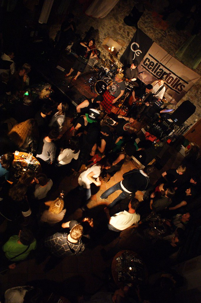 Cellarfolks in concert