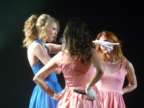 Taylor Swift 13 - Live in Paris - 2011