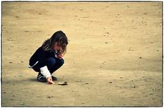-fallas 2011- (Descuido) Tags: españa valencia nikon niña fallas petardos arago 2011 d5000