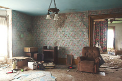 (yyellowbird) Tags: blue wallpaper house abandoned floral illinois chair pretty livingroom somewhere