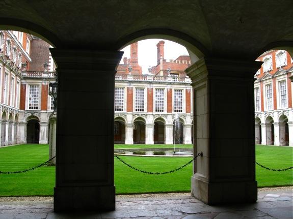 hampton court england 001