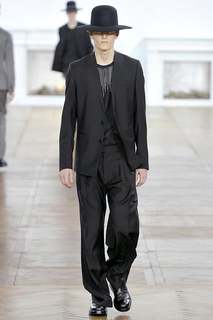 FW11_Paris_Dior Homme027(VOGUEcom)