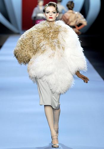 Dior-CoutureSpring2011-10_162704197564
