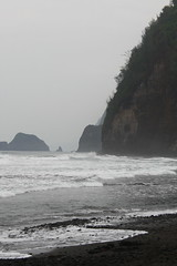 Pololu Beach (Steffen und Christina) Tags: ocean sea usa beach strand island grey hawaii coast sand meer waves stones grau insel valley coastline bigisland schwarz aaa steilkste tal kste bbb wellen pololu kiesel brandung blacksandbeach ozean schwarzersandstrand