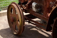 Vintage Tractor (Craig Jewell Photography) Tags: old tractor wheel vintage weekend iso400 steel wheels rusty winery f35 berrima stmaur 13200sec canoneos5dmarkii ef100mmf28lmacroisusm cpjsm craigjewellphotography