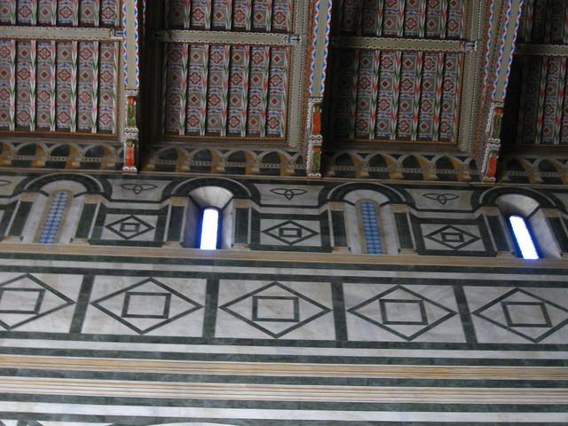 サン・ミニアート・アル・モンテ教会のフリー写真素材