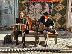 Los musicos y Carlitos (FernandoRey) Tags: argentina criollo buenos aires guitarra carlos musica gardel abasto barrio carlitos hdr musicos bandoneon musico zorzal hdraward