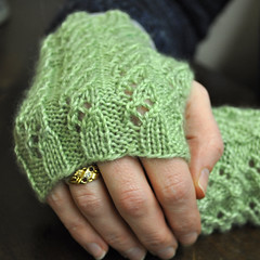 Waterfall Mitts