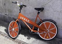 Attractive... (perispomene) Tags: copenhagen denmark transport bikes vlos bicyclettes rentalbikes alltypesoftransport vlosenlocation