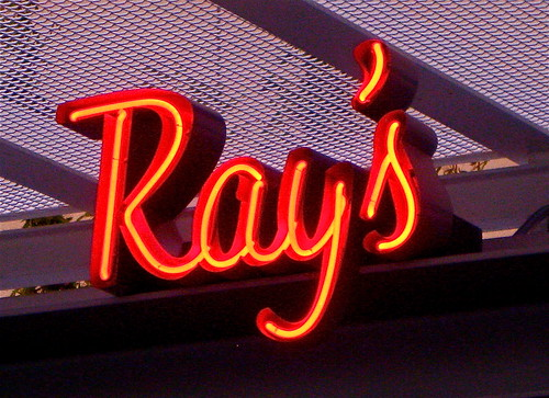 Ray restaurant logo