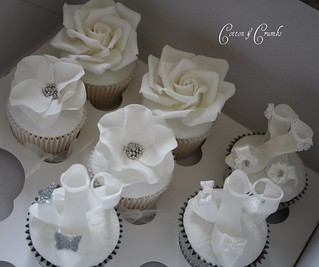 Photo shoot cupcakes by Cotton and Crumbs