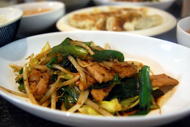 同居人作、豚と野菜のトウチジャン炒め。良い風味でお店っぽい!