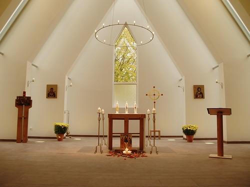 Altarraum in der alt-katholischen Kirche Hannover
