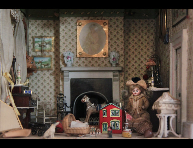 Doll house residents, Amy Miles' House, British, 1890s