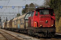 Manver - Nahgterzug von SBB Cargo mit SBB Diesellokomotive Bm 4/4 18408 ( Rangierlokomotive - Lokomotive Hersteller SLM - SAAS => Baujahre1960 - 1970 ) in Bern Holligen im Kanton Bern  in der Schweiz (chrchr_75) Tags: station train de tren schweiz switzerland suisse gare swiss eisenbahn railway zug bahnhof trainstation locomotive bern christoph svizzera bahn berne treno mrz chemin nord centralstation fer locomotora tog juna berna lokomotive 1103 lok ferrovia spoorweg suissa locomotiva lokomotiv ferroviaria  2011 locomotief kanton chrigu  rautatie  zoug trainen kantonbern brn bmpliz  chrchr hurni chrchr75 chriguhurni albumbahnenderschweiz2011 mrz2011 chriguhurnibluemailch albumzzz201103mrz