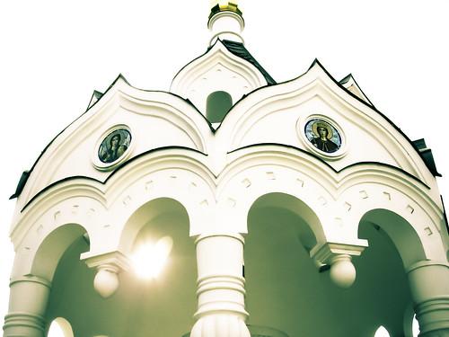 Источник при церкви ар. Михаила в Сочи