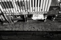fast food shop (Le Xuan-Cung) Tags: california urban blackandwhite bw losangeles lightsandshadows nikon santamonica fastfood streetshots streetphotography sw polfilter urbanshots nikond1h circularfilter urbanlosangeles livinginlosangeles