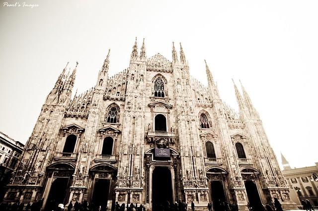 世界第三大教堂-米蘭大教堂