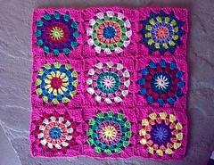 Crochet pillow progress (LauraLRF) Tags: pink thread squares circles crochet rosa pillow cotton hilo granny cushion almofada cojin algodon circulos ganchillo almohada cuadrados almohadon