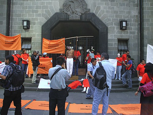 AbbotProtestMexico120809