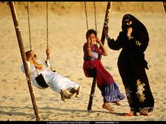 saudiarabia_jiddah-beach-swings
