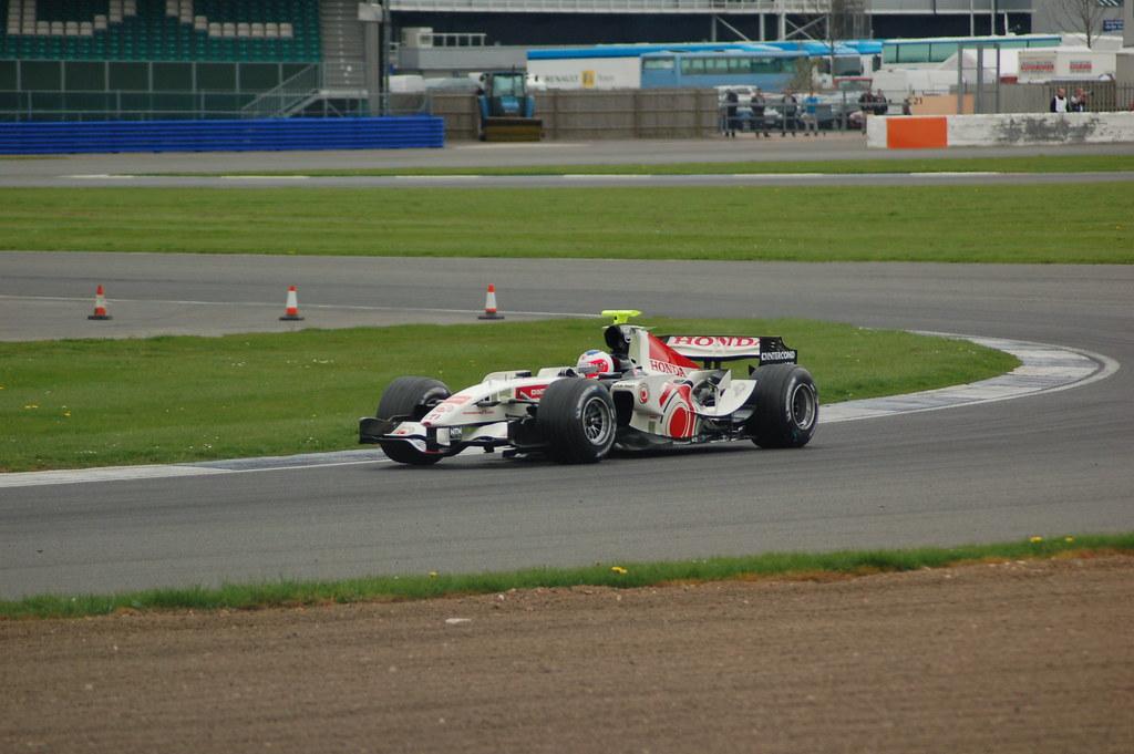 Lucky Strike Honda RA106