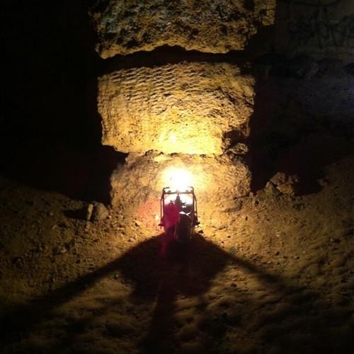 paris urbanexploration limestone catacombs quarry spelunking catacombes iphone carrière urbex calcaire igc carbidelamp explorationurbaine carbure spéléologie acétylène carrièresouterraine undergroundquarry pilieràbras arrast2 spéléodepapy