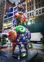 Art on Broadway Auspicious triple sheep (Singing With Light) Tags: 2016 21st alpha6000 mirrorless nyc singingwithlight sonya6000 broadway manhattan photography september singingwithlightphotography sony streetart
