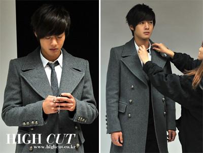 Kim Hyun Joong Highcut Polaroid Signed Photos 2