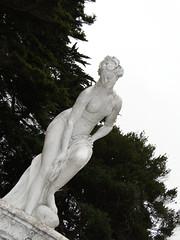 La musa (_echoes_) Tags: sony carlos escultura estatuas lota octava carbn bobo cousio parquedelota dschx1