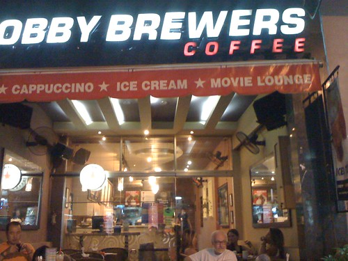 Bobby Brewers Vietnam - Outside