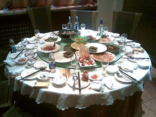 Table ronde avec plateau tournant images - Plateau tournant pour table ...