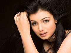 Ayesha Takia (Jolly Hollywood) Tags: woman india sexy fashion lady is indian an hollywood singer actress ke bollywood sultry elegant aap takia ayesha classy hum jewerly elegance liye