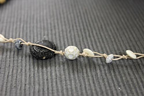 Entstehung meines Achat-Bracelets mit Hornperlen