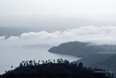Hutaginjang -D20_9975 (Johnny Siahaan) Tags: sunset mountains misty clouds sunrise indonesia gunung batak toba laketoba sumatera huta danautoba sumaterautara tobalake matahariterbit tapanuliutara hutaginjang taput johnnysiahaan mataharipagi fotodanautoba fotohutaginjang