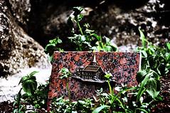 Home Sweet Home (nkpl) Tags: up statue stone dark photo exterior pierre naturallight sombre statuary extrieur touching prelachaise lumirenaturelle retouche statuaire prelachaisecemetery cimetireduporelachaise