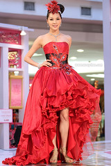 de Paris Bridal Show 2011 (woaychee) Tags: model bridal runway deparis
