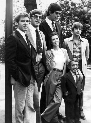 Harrison-Ford-David-Prowse-Peter-Mayhew-Carrie-Fisher-Kenny-Baker-and-Mark-Hamill