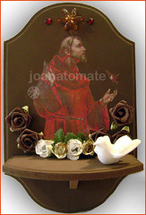 oratório Francisco (joanatomate) Tags: tiara flores santaluzia mandala feltro guadalupe madeira fita gancho trevo sãofrancisco oratório portachave matrisoka sãojudas coraçãotecido