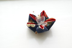 Kanzashi - Bellflower (cuttlefishlove) Tags: flower japan japanese petals brooch silk craft ornament folding hairclip kanzashi fascinator hairornament habotai habotae