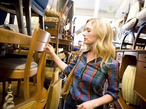 HDSW1_Emily-Henderson-Shopping-2_s4x3_lg