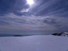 Serra del Port del Compte 1 (Laura.BDN) Tags: paisajes snow mountains clouds nieve natura cielo nubes neve neige catalunya nuages hielo montaas montagnes lleida nwn
