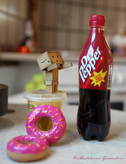 'I Want Some' (Madelaine Grambow Photography) Tags: color cute figure cult danbo canoneos5dmarkii danboard