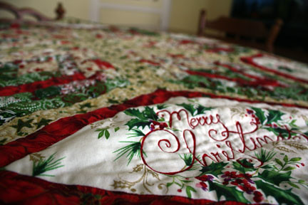 Diamond Christmas Table Topper - Quilting
