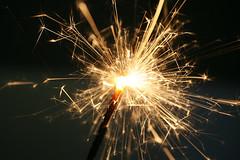 Frozen Sparks (Audiotribe) Tags: abstract fire glow dof freeze sparkler spark depth abstrakt splendore gnist stjernekaster sooc glød हीरा ciergemagique